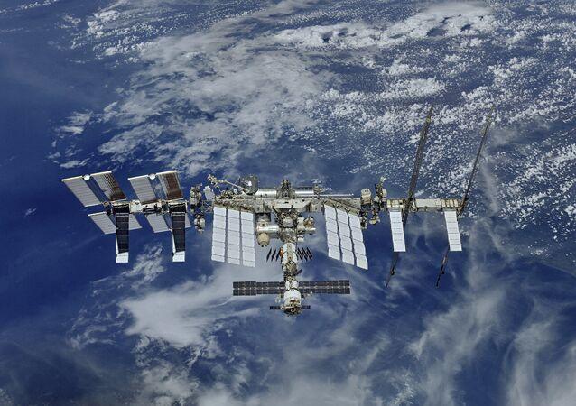 Pohled na ISS z vesmíru