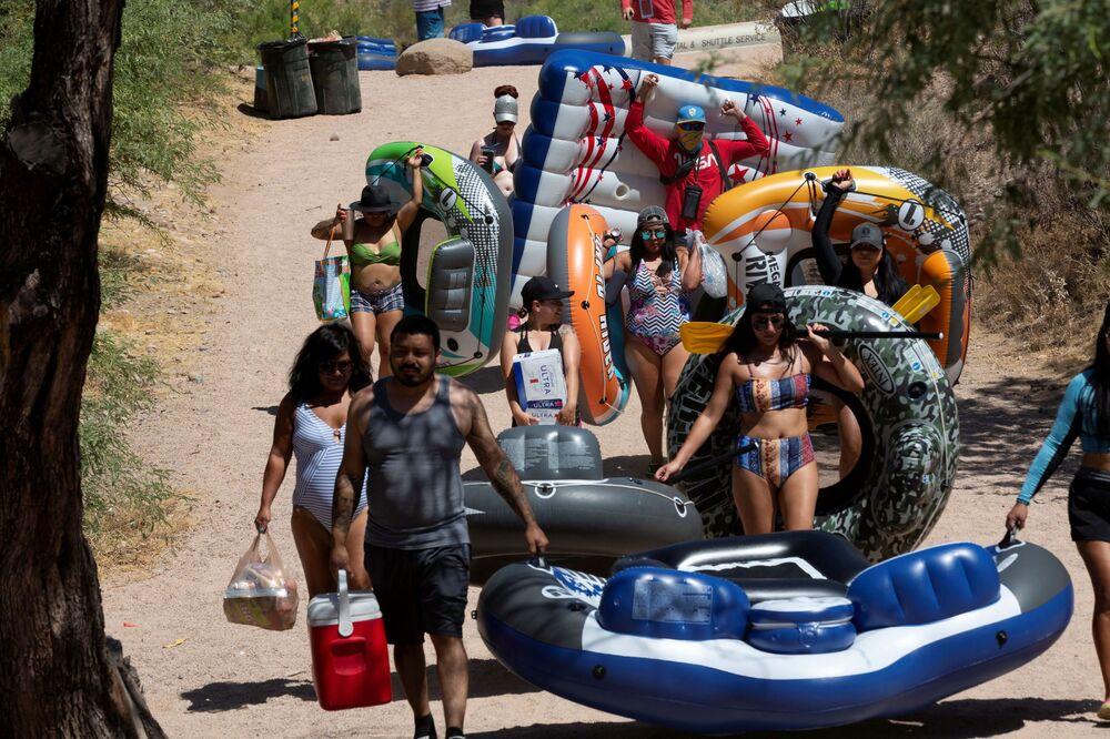 Lidé na letní dovolené v Arizoně
