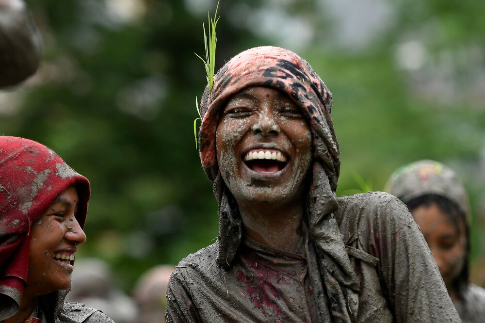 Ženy během svátku před začátkem výsadby rýže v Káthmándú