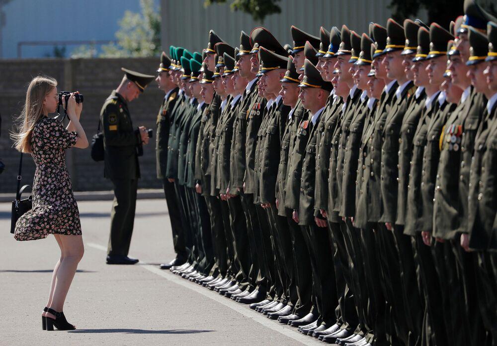 Získání diplomů ve Vojenské akademii Běloruské republiky