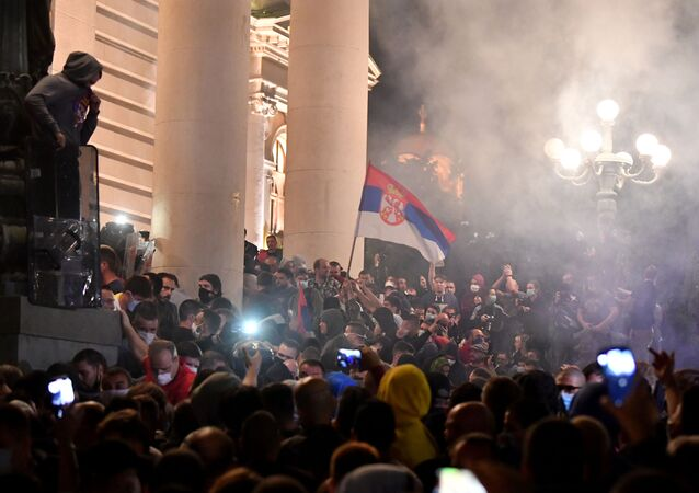 Noční nepokoje v Bělehradu
