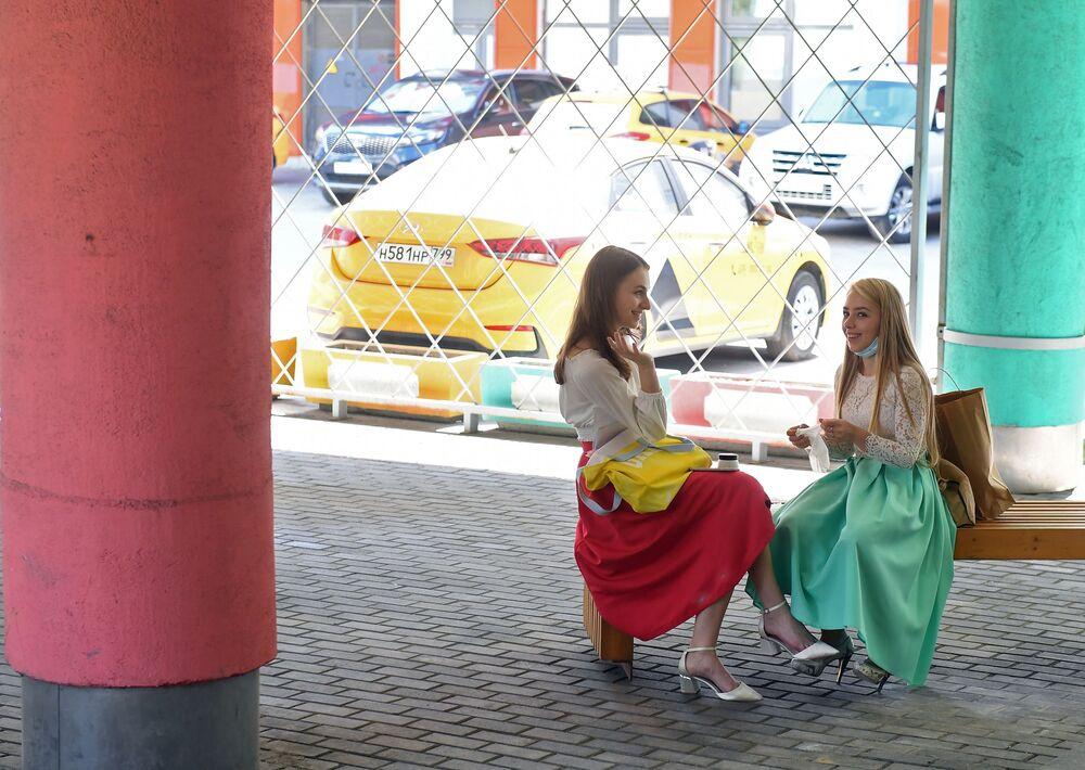 Moskevské abiturientky před zkouškami v Ruské akademii divadelního umění