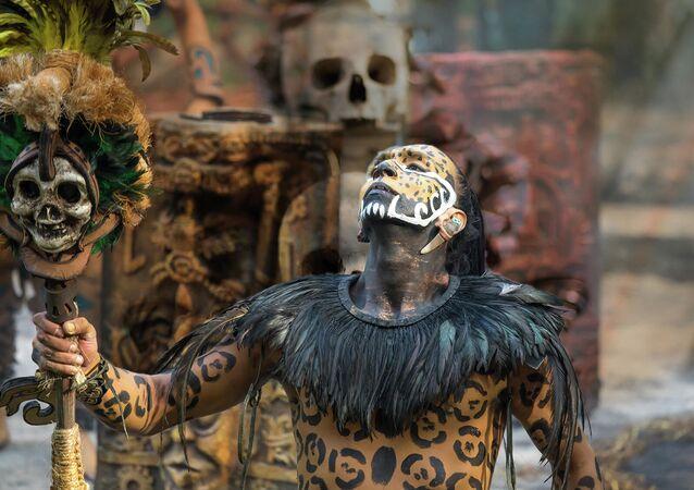 Tradiční kostým Máyů