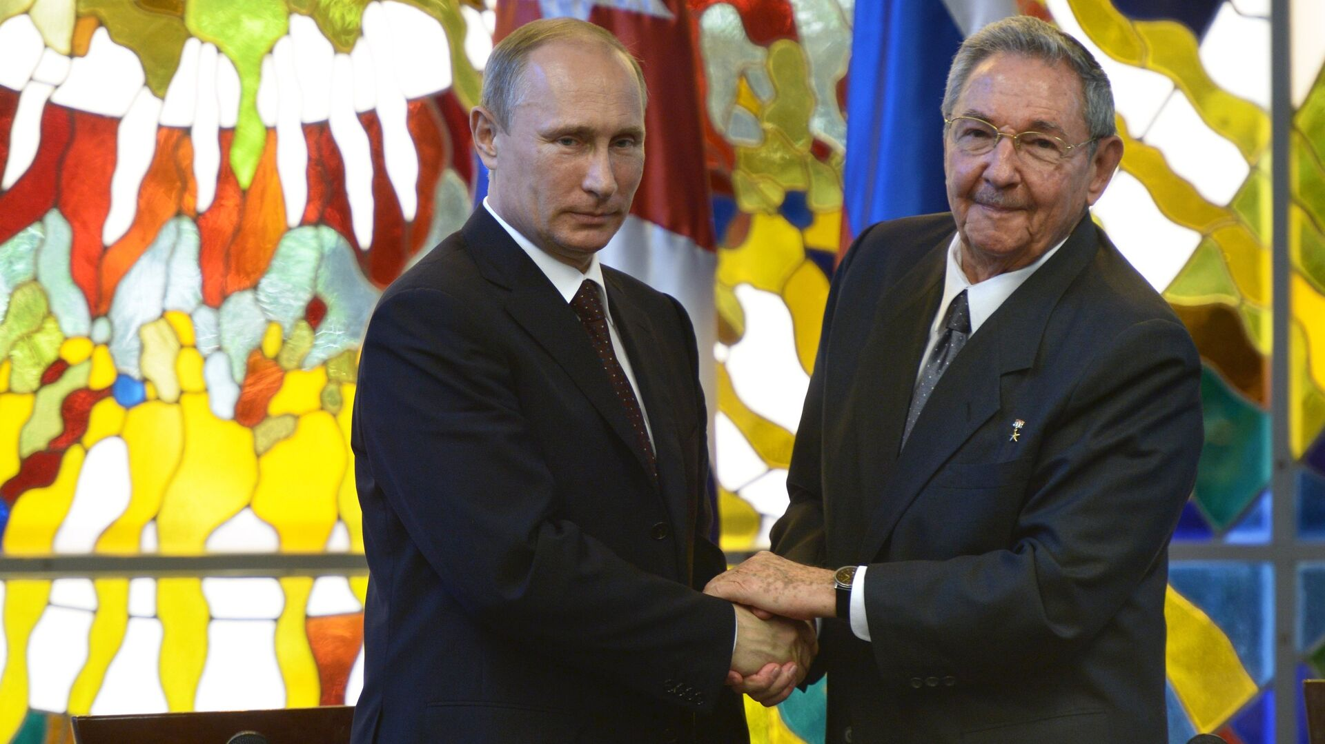 Vladimir Putin a Raúl Castro - Sputnik Česká republika, 1920, 16.04.2021