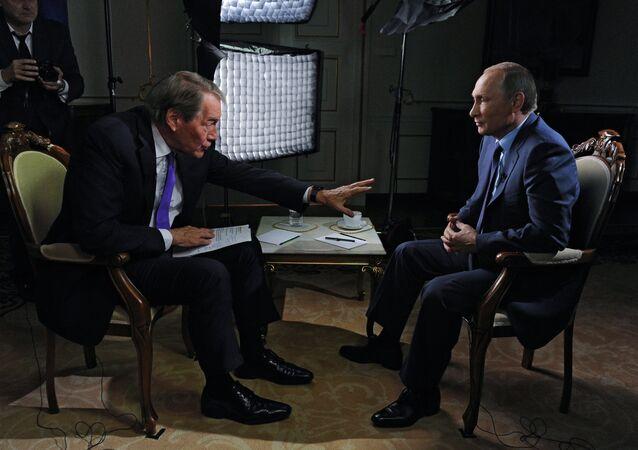 Vladimir Putin během rozhovoru pro CBS a PBS