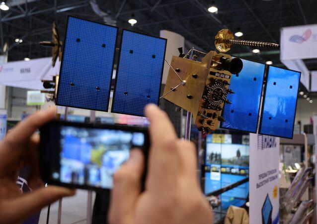 Maketa družice GLONASS-K
