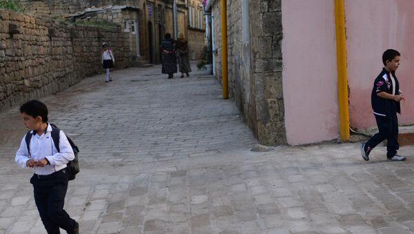 Od založení jednoho z nejstarších měst – Derbentu – už uplynulo 2000 let. Přes Derbent vedla Hedvábná stezka - Sputnik Česká republika