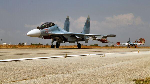 Ruská stíhačka Su-34 v Sýrii - Sputnik Česká republika