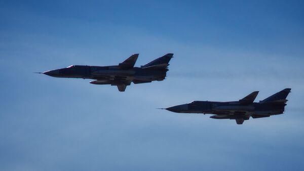 Bombardéry Su-24M ruských vzdušných a kosmických sil - Sputnik Česká republika