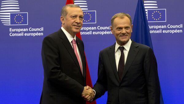 Turecký prezident Recep Tayyip Erdoğan a předseda Evropské rady Donald Tusk - Sputnik Česká republika