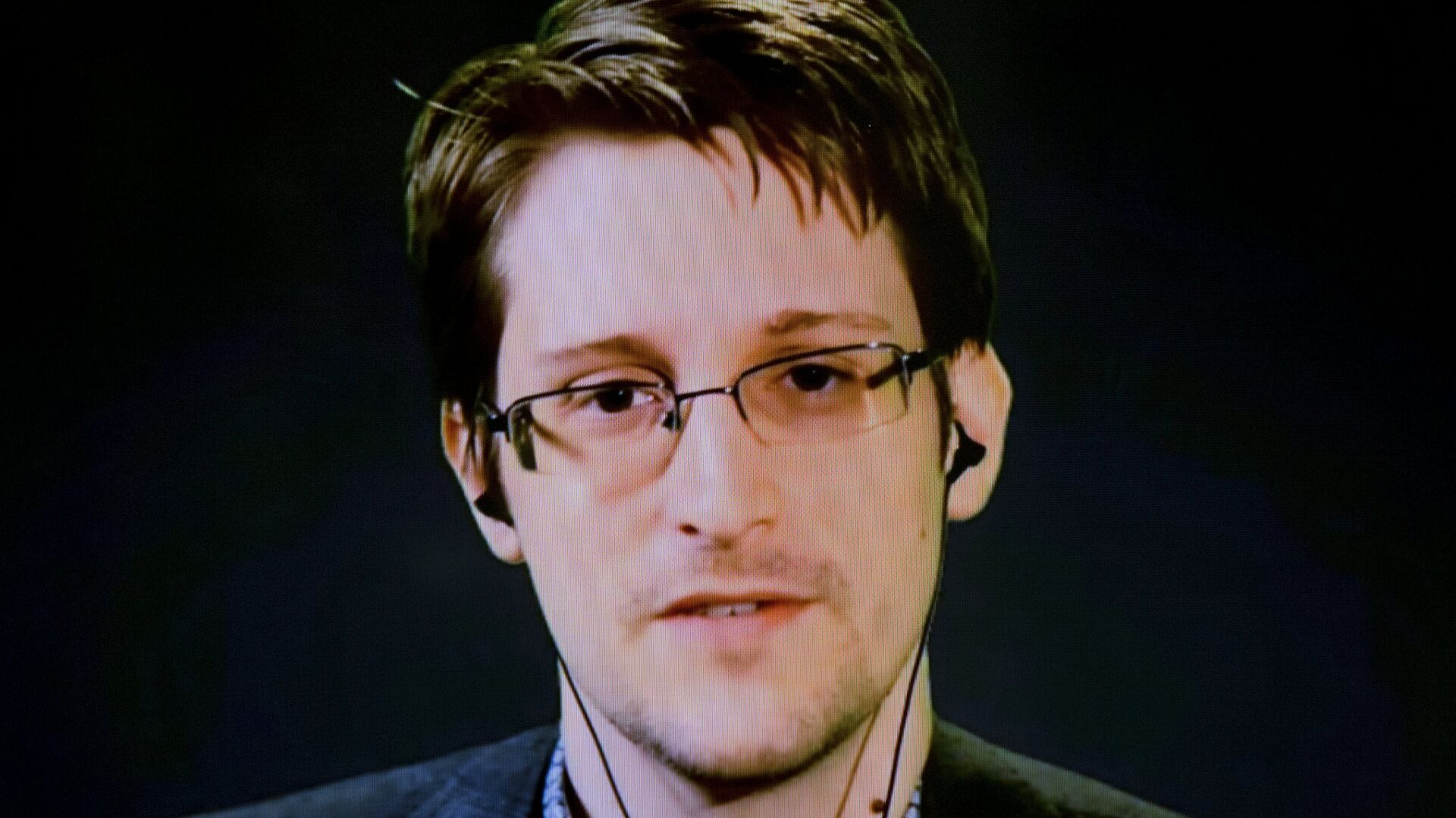 American whistleblower Edward Snowden delivers remarks via video link from Moscow - Sputnik Česká republika, 1920, 27.06.2021