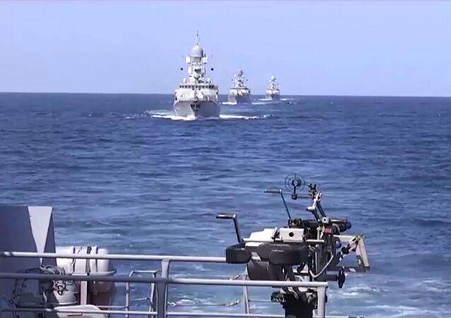 Ruské lodě u syrského pobřeží. Ilustrační foto