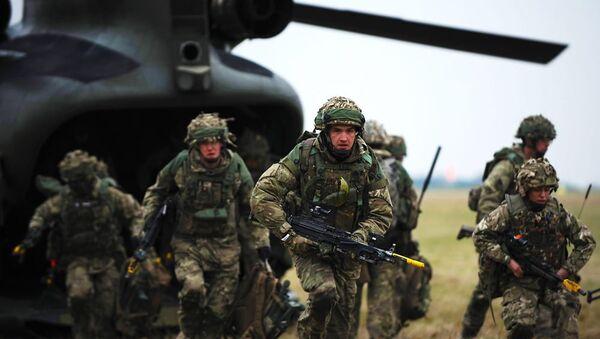 Britští vojáci - Sputnik Česká republika