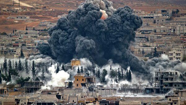 Letecký útok USA v Sýrii - Sputnik Česká republika