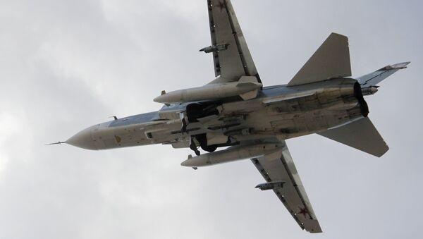 Su-24 ve vzduchu - Sputnik Česká republika