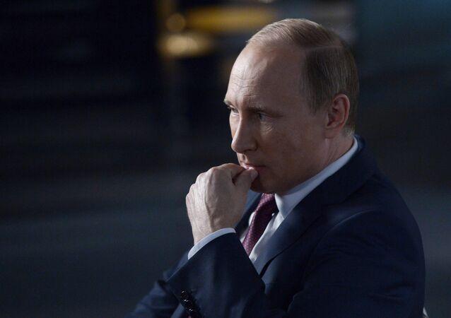 Президент РФ В.Путин дал интервью ведущему телеканала Россия-1 В. Соловьеву