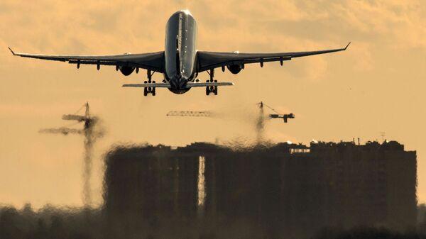 Letadlo Airbus A330 na letišti Šeremeťjevo - Sputnik Česká republika
