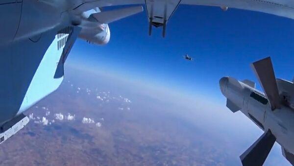 Ruske letectvo v Sýrii - Sputnik Česká republika
