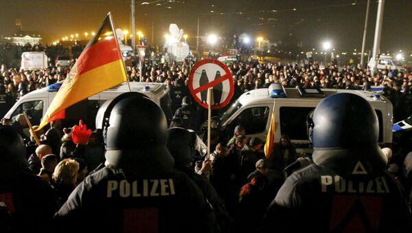 V pondělí se konala v Drážďanech početná demonstrace hnutí PEGIDA - Sputnik Česká republika