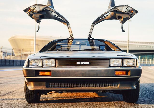 Návrat do budoucnosti. Legendární stroj času DeLorean DMC-12