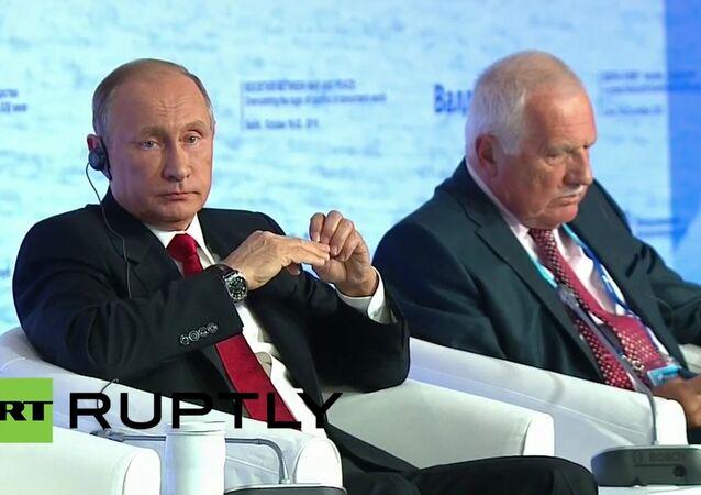 Vladimir Putin a Václav Klaus během schůzky mezinárodního klubu Valdaj