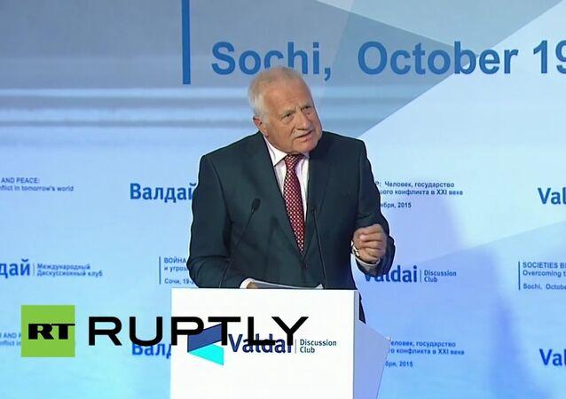 Václav Klaus během schůzky mezinárodního klubu Valdaj