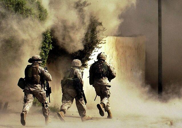 Američtí vojáci v Iráku, rok 2004