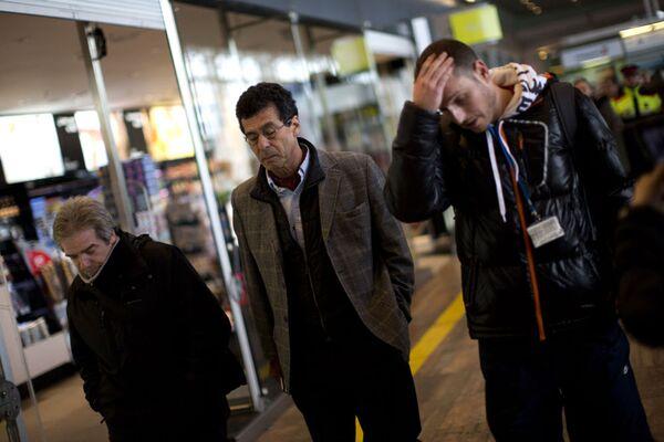 Příbuzní cestujících havarovaného letu na letišti v Barceloně - Sputnik Česká republika