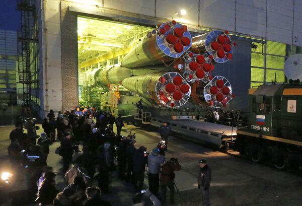 Příprava ke startu rakety Sojuz-FG - Sputnik Česká republika