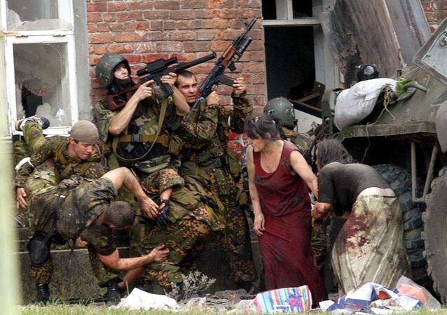 V září roku 2004 zahynulo 10 během útoku na školu v Beslanu příslušníků FSB