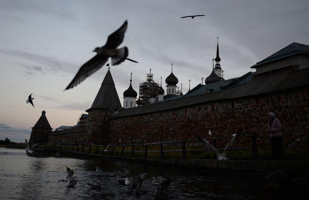 Solovky: křesťanské poutní místo a sovětská věznice