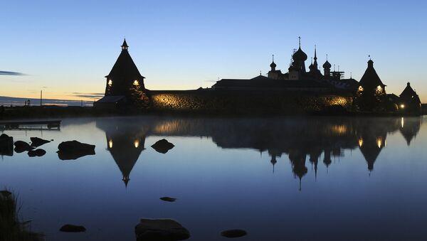 Ruská pravoslavná církev obnovila klášter v roce 1992 - Sputnik Česká republika