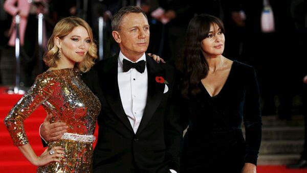 Lea Seydoux, Daniel Craig a Monica Bellucci. Ilustrační foto - Sputnik Česká republika