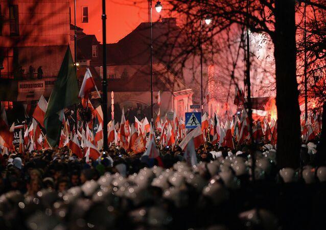 Demonstrace neonacistů ve Varšavě