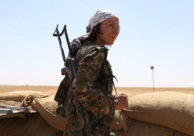 Islámský stát vyhlásil chalífát v červnu roku 2014 a dobyl značnou část syrského území