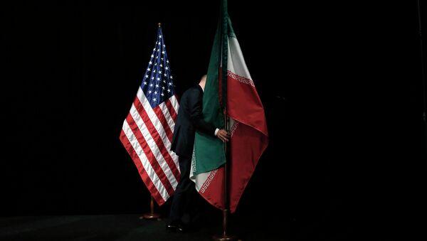 Vlajky USA a Íránu - Sputnik Česká republika