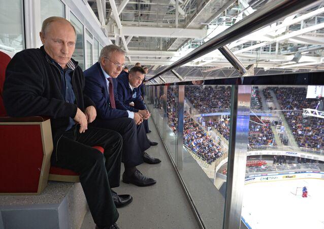 Vladimir Putin na hokejovém utkání