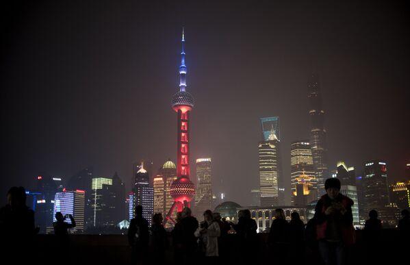 Oriental Pearl Tower v Šanghaji v Čínské lidové republice - Sputnik Česká republika