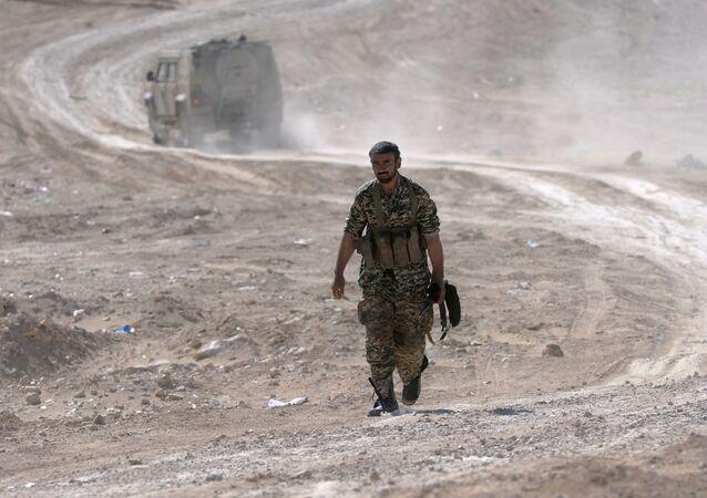 Íránský bojovník v okolí Palmýry