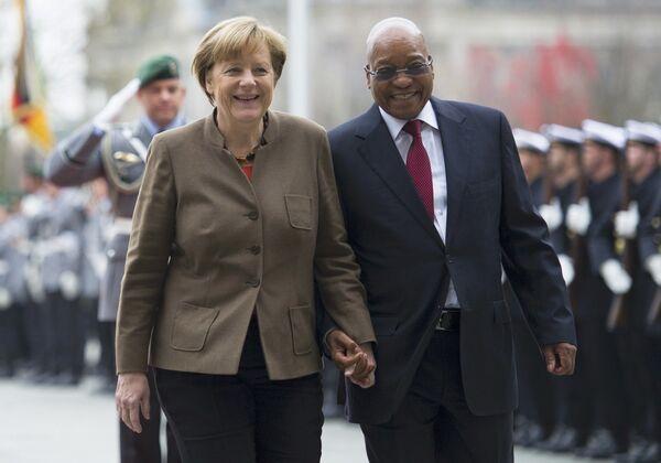 Německá kancléřka Angela Merkelová a prezident Jihoafrické republiky Jacob Zuma - Sputnik Česká republika