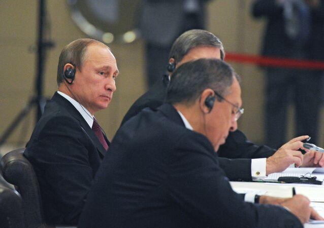 Putin na neformální schůzce lídrů zemí BRICS na Summitu G20 v Turecku