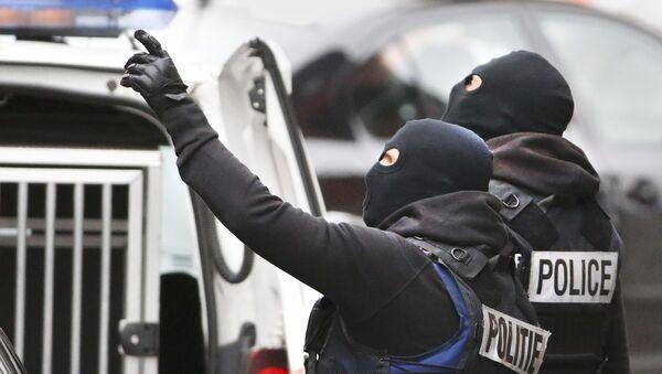 Belgická policie v Molenbeeku - Sputnik Česká republika