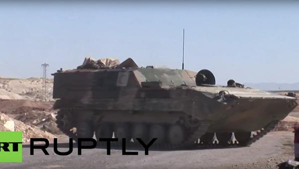 Syrští vojáci ostřelovali bojovníky IS z protiletadlových děl - Sputnik Česká republika