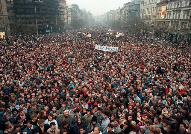 Demonstrace na Václavském náměstí v Praze v roce 1989