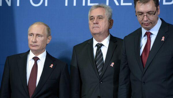 Ruský prezident Vladimir Putin, srbský prezident Tomislav Nikolič a srbský premiér Aleksandar Vučič - Sputnik Česká republika