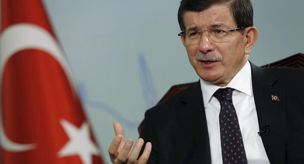 Turecký premiér Ahmet Davutoglu