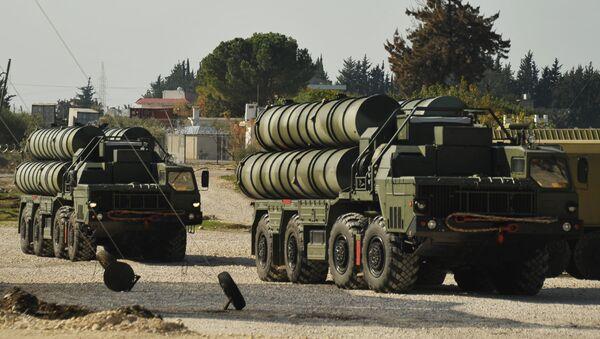 Protiletadlový raketový komplex S-400 - Sputnik Česká republika