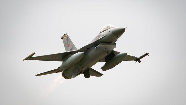 Turecký F-16 - Sputnik Česká republika
