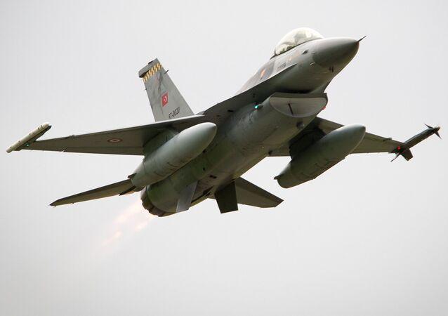 Turecký F-16