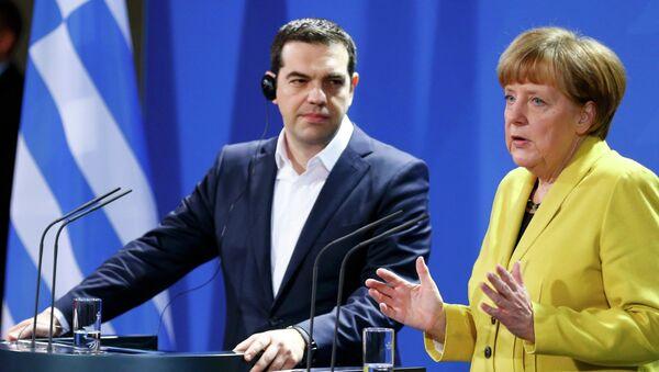 Řecký premiér Alexis Tsipras a německá kancleřka Angela Merkelová - Sputnik Česká republika
